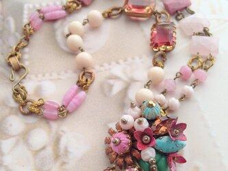 festoon de fleurs roses*ピンクの花綱のブローチ&ネックレスの画像
