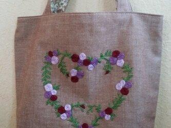送料無料★バラのハート刺しゅうバッグの画像
