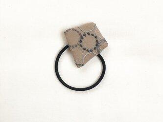 ヘアゴム/ブローチ⚪︎[花蕾]砂色×石色の画像