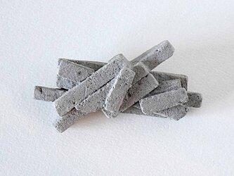 送料無料 ブローチ・宇宙の欠片(灰色)の画像