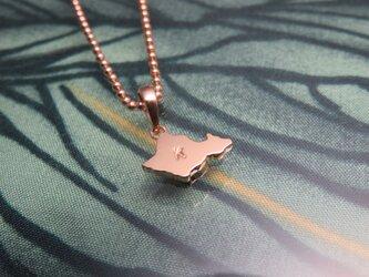 Oahu plate top オアフ島にイニシャルを刻印したペンダントの画像