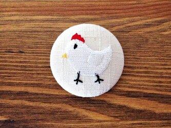 刺繍ボタンブローチ 「ニワトリ」の画像