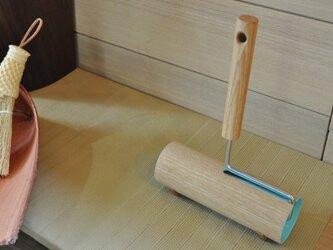 掃除が楽しくなる カーペットクリーナー タモ(水色)の画像
