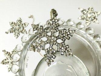 大きな雪の結晶ペンダント ネックレスの画像