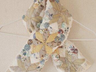 お花畑のキルトマフラー ホワイト&ブルー  Type.90の画像