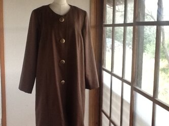 茶色のカシミヤ混のコートの画像