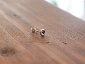針突(ハジチ)刻印耳飾片耳マンダマーナ(四弁花紋) rpc-45の画像