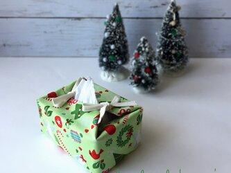 リバーシブルポケットティッシュカバー・容器付き(US生地の緑クリスマスツリー×紫エンブレム柄)の画像