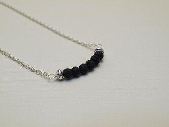 ❧6粒のネックレス❧  シンプルカラーが大人で素敵なネックレスです ブラック の画像