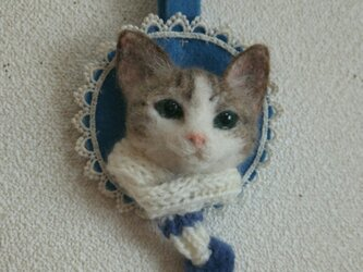 白キジ*マフラー猫のオーナメントの画像
