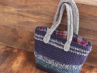 手編みのあたたかトートバッグの画像
