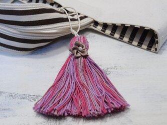 ❁サテンのお花タッセル❁ 【パール付きサテンフラワー】帯飾り・バッグチャーム・キーホルダー ピンクの画像