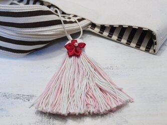 ❁サテンのお花タッセル❁ 【パール付きサテンフラワー】帯飾り・バッグチャーム・キーホルダー ペールピンクの画像