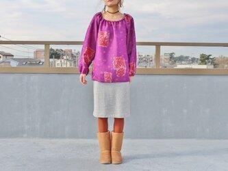 ●sale●着物リメイク・銘仙のギャザーネックブラウス(紫・L)の画像