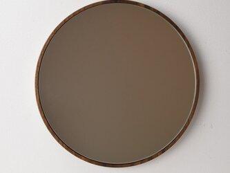 ウォールナットの丸鏡の画像