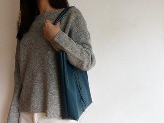 イタリアンシュリンクレザーA4トートバッグ<jeans/グリーン系>の画像