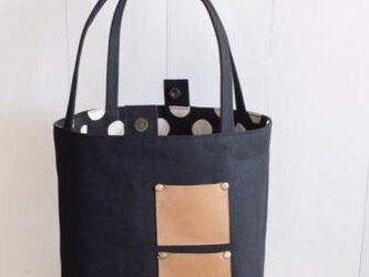 革ポケットの帆布bagの画像