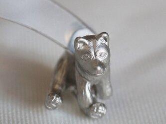 立ち耳犬ピアス/マットシルバー 片耳の画像