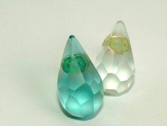 ウミノナミナミダ SEA GLASS ピアス rの画像