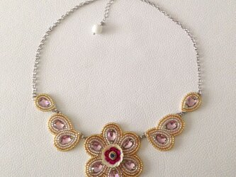 【ビーズ刺繍】スワロフスキー✽花のネックレスの画像