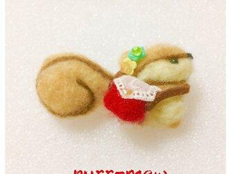 りすブローチ 赤ショルダーバッグ 小の画像