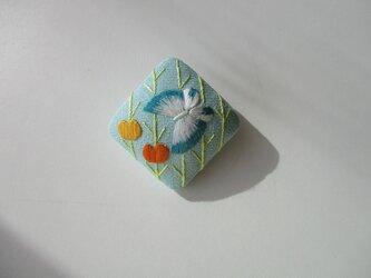 (50%off)花から花へ 蝶のブローチ ミント色の画像