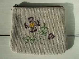 花刺繍のミニポーチ ベージュの画像