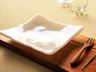 純白ガラスの器 -「 KAZEの肌 」● 光沢 ・19cmの画像