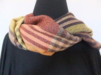 手織りチェックマフラーの画像