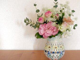 透し彫花器 -ふっくらマル-の画像