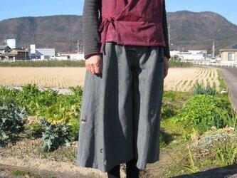 着物リメイク:絹のガウチョパンツ(黒・グレー)の画像