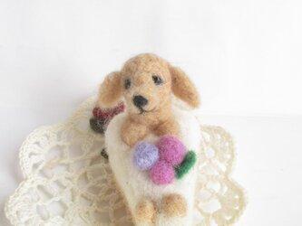 羊毛フェルト ブルーべリーチーズケーキ DE ダックスちゃん(クリーム系)の画像