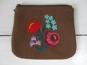 多色花刺繍のミニポーチ 茶微起毛の画像