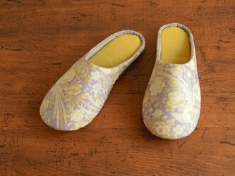 Mサイズ 花鳥紫/ルームシューズの画像