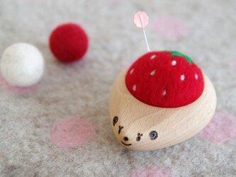 ハリネズミの羊毛ピンクッション 【針山】いちご strawberryの画像