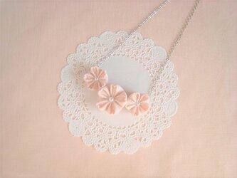 可愛いさくらのつまみ細工ネックレス(ピンク)の画像