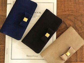 英国スエード革 スーパーバックリボン付きのiPhoneケース iPhone全機種から選択可の画像