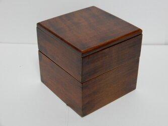 さくらの正方形の弁当箱の画像