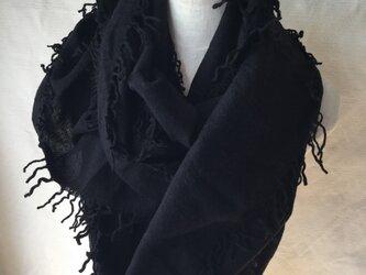 フェルト輪っか織空き羽ストール  黒の画像