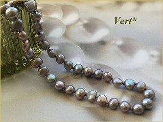 【SV925】ライトシルバーバロック淡水パールグリフィンショートネックレスの画像