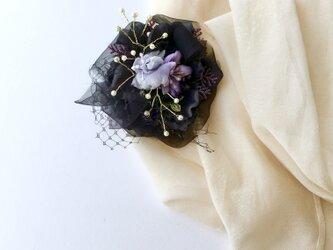 コサージュ&ヘアアクセサリー ブラックアネモネの画像