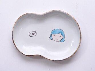 お顔型皿-水色の髪の女の子-の画像