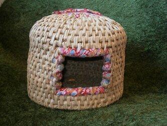 和布と藁を編んだ自然素材の「猫つぐら」…猫ハウス・猫ちぐら・猫ベッドの画像