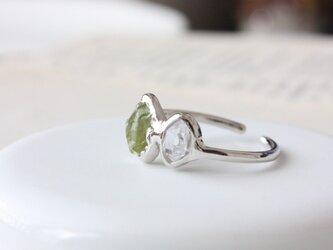 silver-ペリドットとダイヤモンドクォーツの原石リングの画像