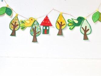 受注制作★新作★北欧風・森の小屋の可愛いガーランドの画像