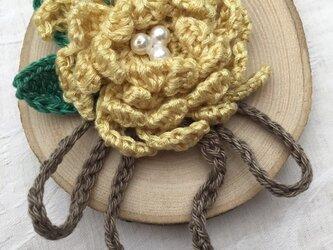 バラの手編みブローチ yellow 【SALE】の画像