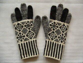 ◆◇花と雪模様の編み込み手袋◇◆(チャコールグレー)の画像