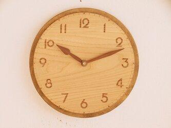 古い雰囲気の掛け時計4の画像