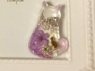 エレガントな猫のピンブローチ ホムポムの画像