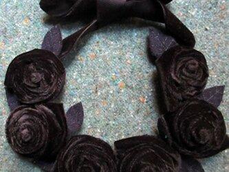 6 Roses 冬のネックレスの画像